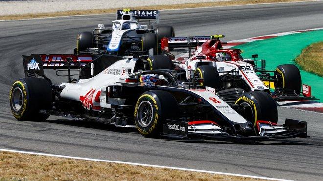 Romain Grosjean s souboji se svými soupeři v Barceloně