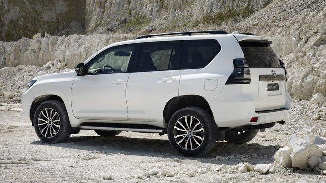 Toyota Land Cruiser Black Pack
