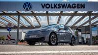 Volkswagen ID.3 je u prodejců a ceny jsou již známy. Raději si ale sedněte... - anotační foto