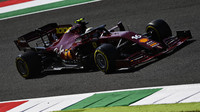 Od zuřícího šéfa až po jubileum. Vozy F1 mění tradiční barvy na některé závody z různých důvodů - anotační foto