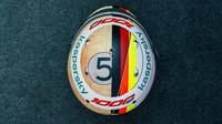 Design přilby Sebastiana Vettela v rámci 1000 GP v Toskánsku