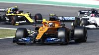 Carlos Sainz v závodě v Toskánsku
