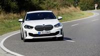 BMW 128ti je sportovní variantou BMW řady 1 s předním pohonem a mechanickým samosvorným diferenciálem Torsen