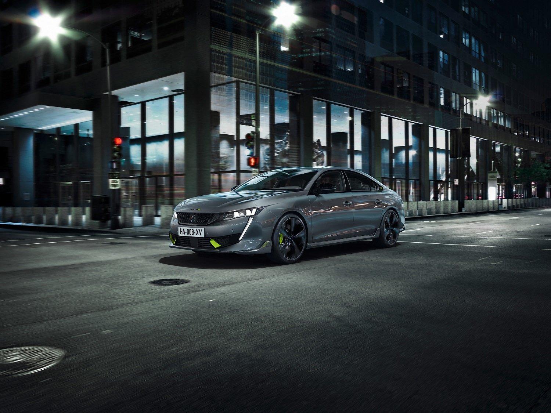 Peugeot představuje řadu Peugeot Sport Engineered: fastback 508 a kombi 508 SW - anotační obrázek