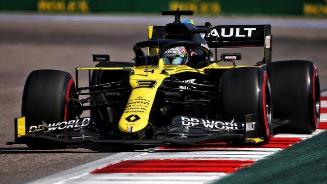 Daniel Ricciardo při pátečním tréninku v Soči