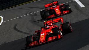 Necítím úroveň přítlaku, kterou vnímá Charles, zoufá si Vettel. Auta jsou totožná, reaguje Binotto - anotační obrázek