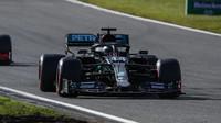 Lewis Hamilton počas závodu na Nürburgringu