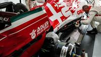 Příprava vozu Kimiho Räikkönena před závodem v Imole