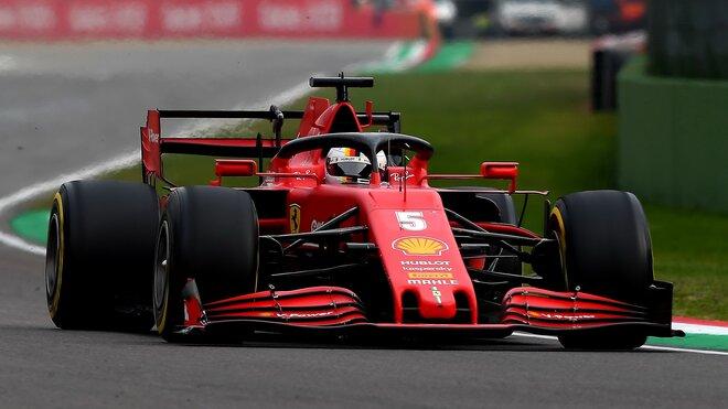 Sebastian Vettel při závodě v Imole