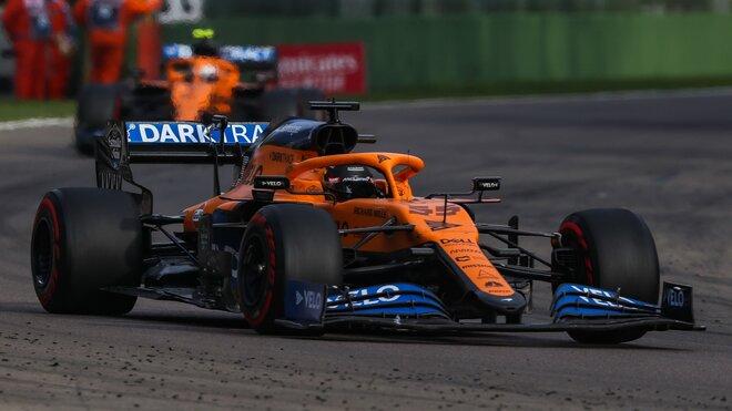 Carlos Sainz při závodě v Imole