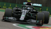 Valtteri Bottas při závodě v Imole