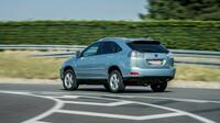Lexus RX 400h využívá koordinované souhry benzínového motoru 3,3 litru V6 a elektromotorů na obou nápravách