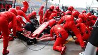 Sebastian Vettel v závodě v Turecku