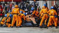 Carlos Sainz v závodě v Turecku