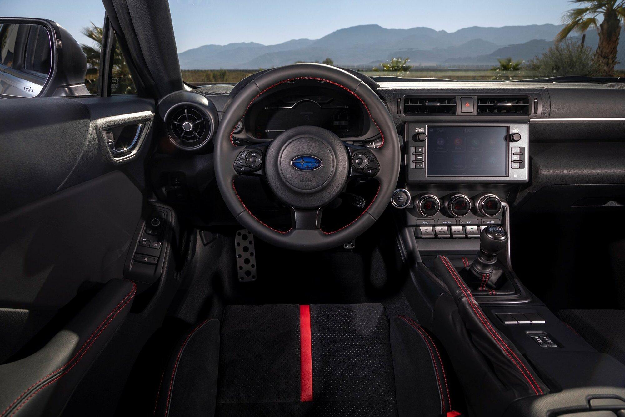 Nové Subaru BRZ doznalo řady změn v interiéru, zejména zaujme nový infotainment