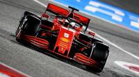 Sebastian Vettel v závodě v Bahrajnu