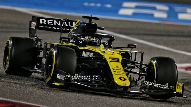 Daniel Ricciardo s Renaultem RS20