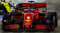 Sebastian Vettel v kvalifikaci v Sáchiru