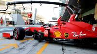 Sebastian Vettel během kvalifikace v Abú Zabí