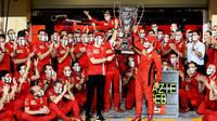 Sebastian Vettel se loučí s týmem Ferrari v Abú Zabí