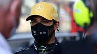 Hamilton stále není jezdcem Mercedesu. Divadlo nebo vyhazov? - anotační foto