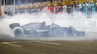 Lewis Hamilton po závodě v Abú Zabí