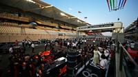 Slavnostní ceremoniál před startem závodu v Abú Zabí