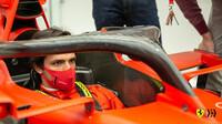 Rozbil Sainz Ferrari? Španěl spekulaci nekomentuje - anotační foto