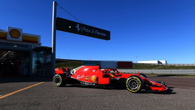 Leclerc vyráží na trať