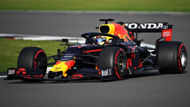 Sergio Pérez během testu Red Bullu v Silverstone