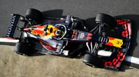 Sergio Pérez poprvé ve voze Red Bull RB16B - Honda