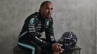 """PROHLÁŠENÍ po kvalifikaci: """"Kdo by si byl pomyslel,..."""" slaví Hamilton stou pole position - anotační obrázek"""