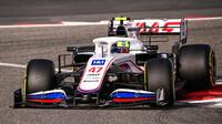 Mich Schumacher - 2. den předsezonních testů v Bahrajnu