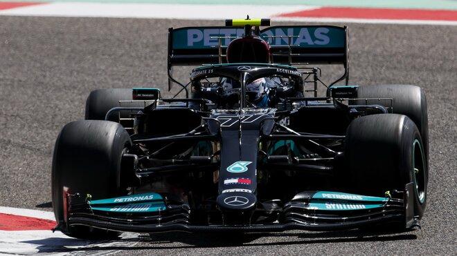 Valtteri Bottas během posledního dne testů v Bahrajnu