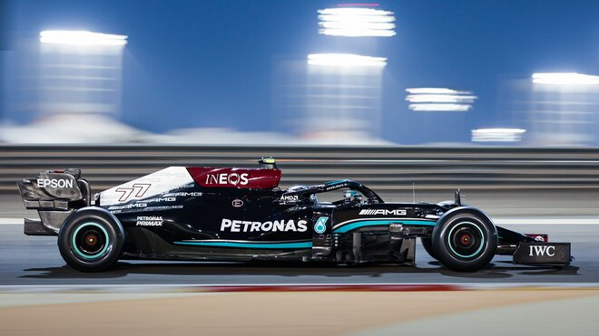 Valtteri Bottas během nedělního testu v Bahrajnu