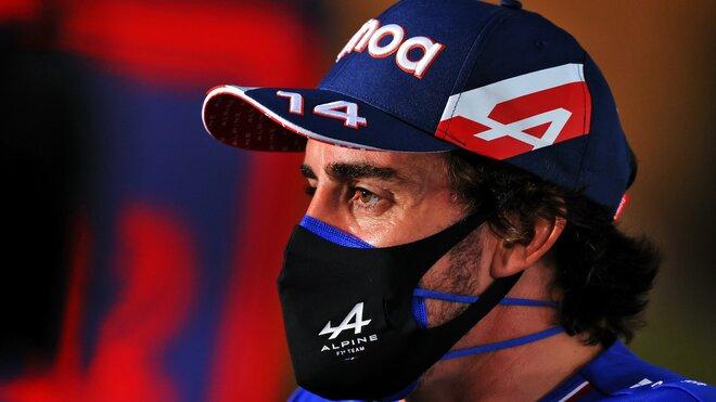 Fernando Alonso při čtvrteční tiskovce v Bahrajnu