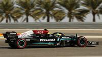 Valtteri Bottas si z Bahrajnu odváží 16 bodů