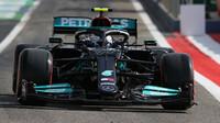 Bottas ovládl 2. trénink. Verstappena zradila technika, Leclerc boural - anotační obrázek