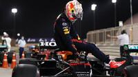 Max Verstappen bere pole position po kvalifikaci v Bahrajnu
