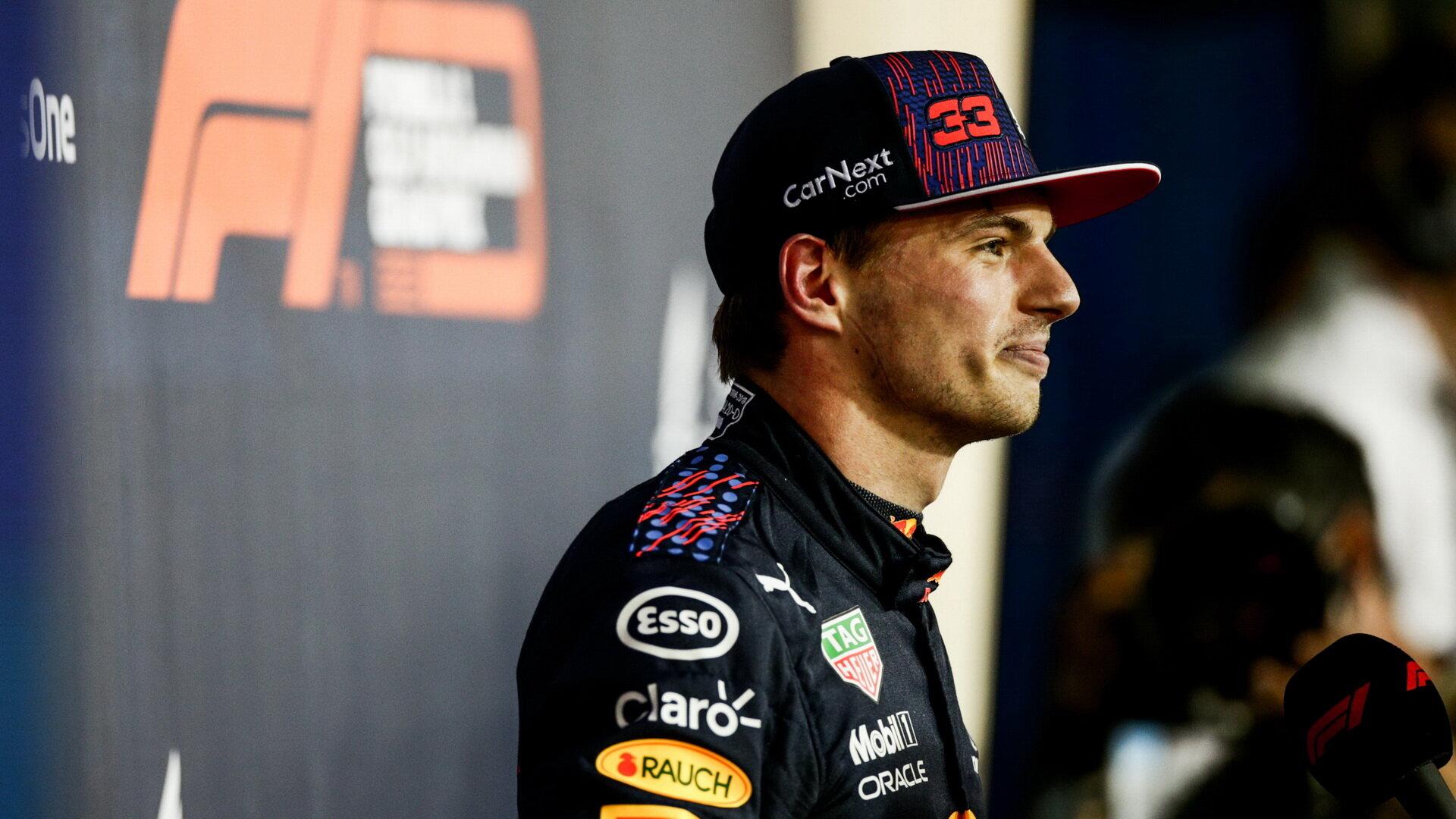 Max Verstappen letos může bojovat o titul, úvodní bitvu však s Hamiltonem prohrál