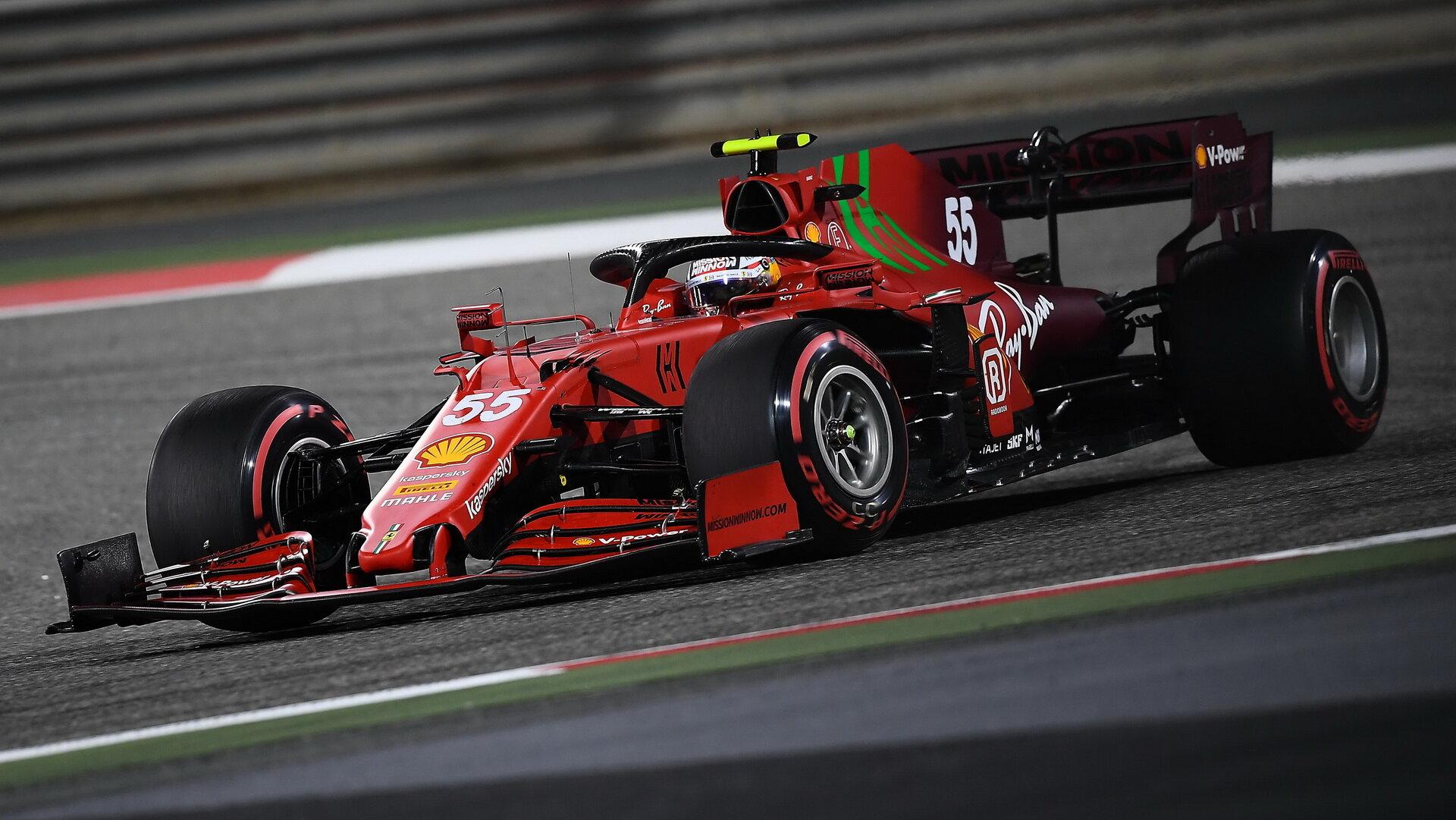 Carlos Sainz - závod v Bahrajnu