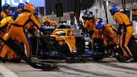 Daniel Ricciardo - závod v Bahrajnu