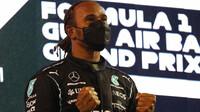 PROHLÁŠENÍ po kvalifikaci: Vděčný Hamilton a chybující Pérez, kterému unikla pole position - anotační obrázek