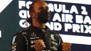 PROHLÁŠENÍ: Vděčný Hamilton a chybující Pérez, kterému unikla pole position - anotační obrázek
