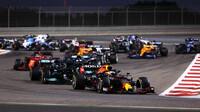Max Verstappen po startu závodu v Bahrajnu