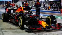 Max Verstappen po zastávce v boxech - v Bahrajnu trvala jen 1,9 s