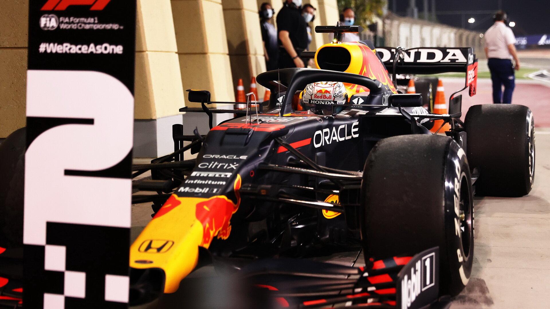 Max Verstappen dojel na druhém místě - závod v Bahrajnu