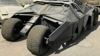 V Dubaji byl nalezen opuštěný Batmobile - anotační obrázek