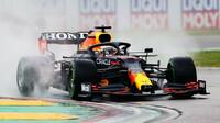 Max Verstappen v dešti - závod na Imole
