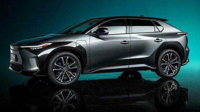 Toyota bZ4X - koncept čistě bateriového SUV v téměř produkčním zpracování